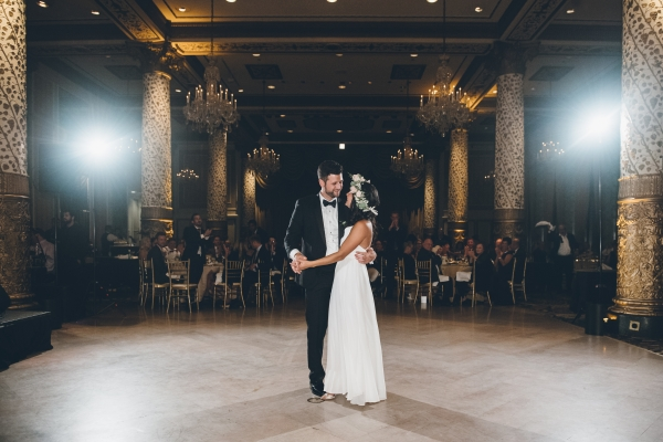 Fun Boho Chicago Wedding at The Drake Hotel (62)