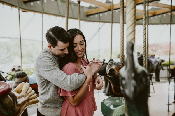 Lincoln Park Zoo Carousel Engagement Session (3)