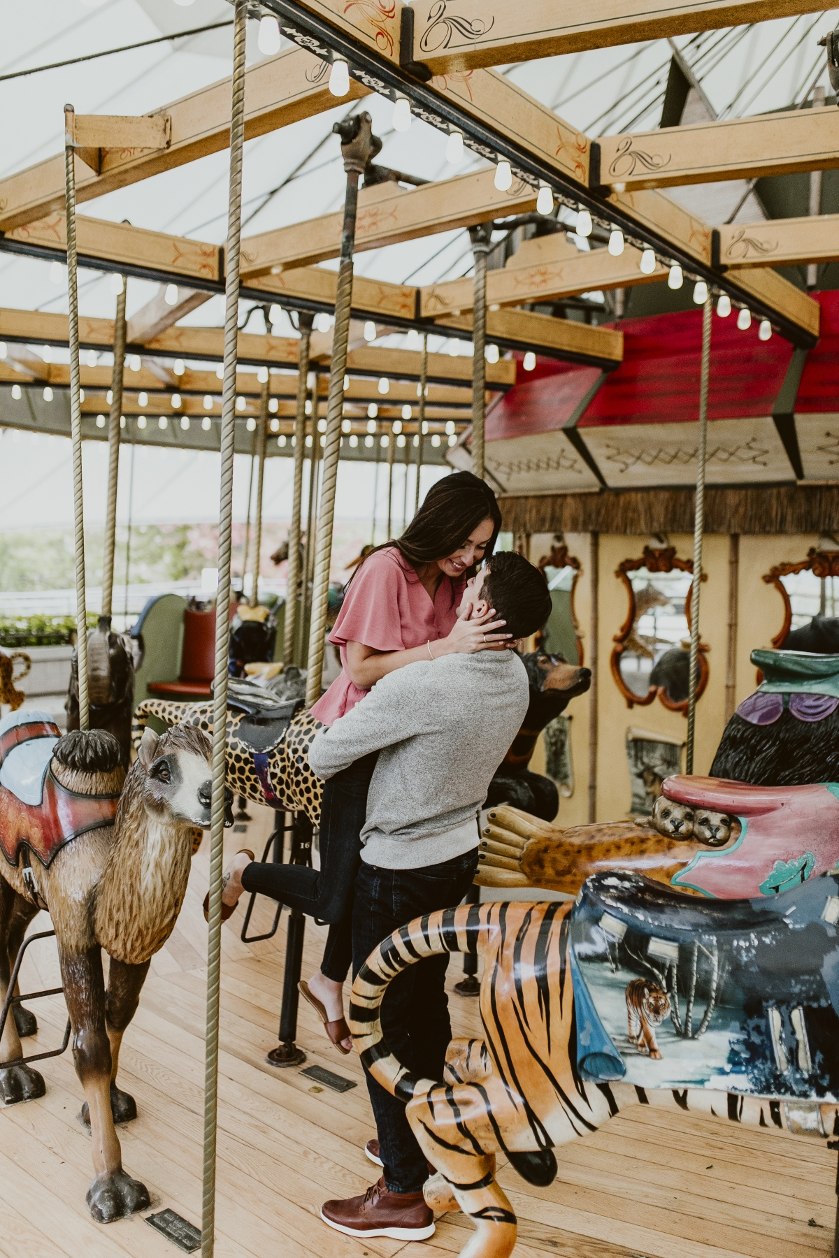 Lincoln Park Zoo Carousel Engagement Session 7
