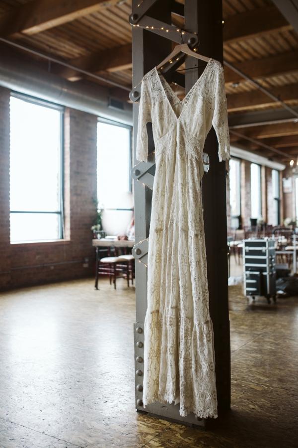 Chicago Fall Wedding Inspiration City View Loft (3)