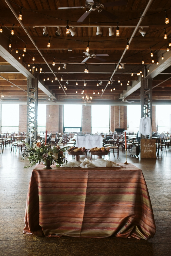 Chicago Fall Wedding Inspiration City View Loft (9)