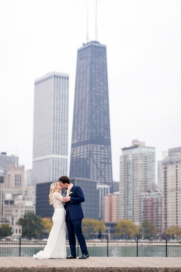 Fall Chicago Wedding at The Standard Club (14)