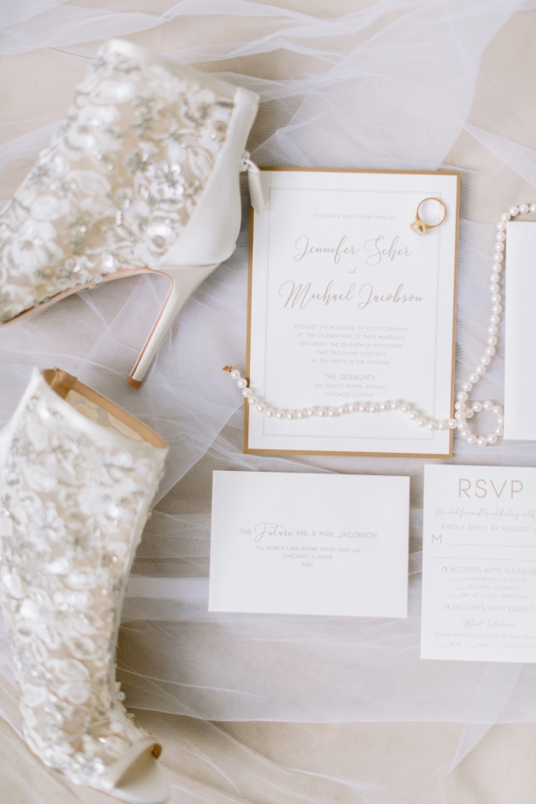Laura Lanzerotte Bridal Danielle Heinson Photography (3)