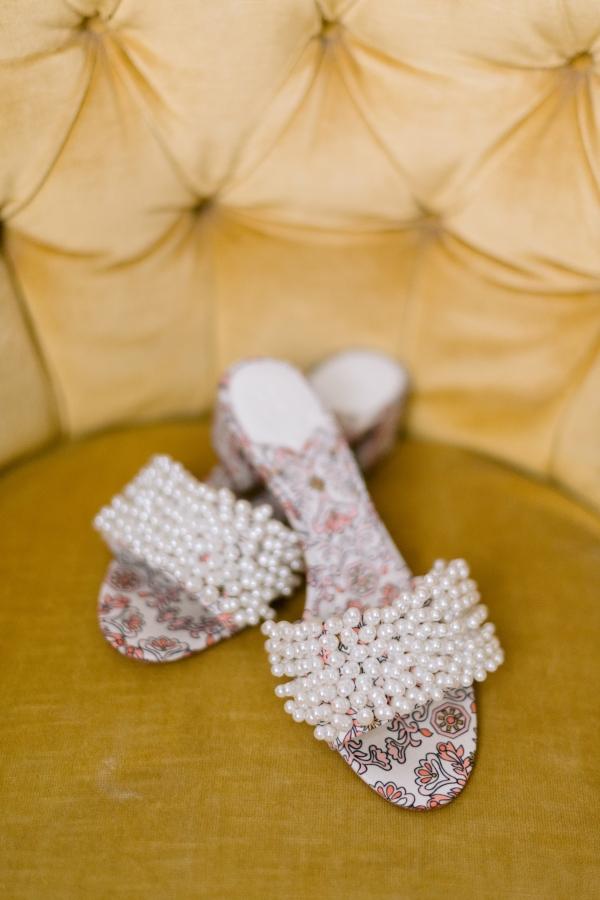 Laura Lanzerotte Bridal Danielle Heinson Photography (8)