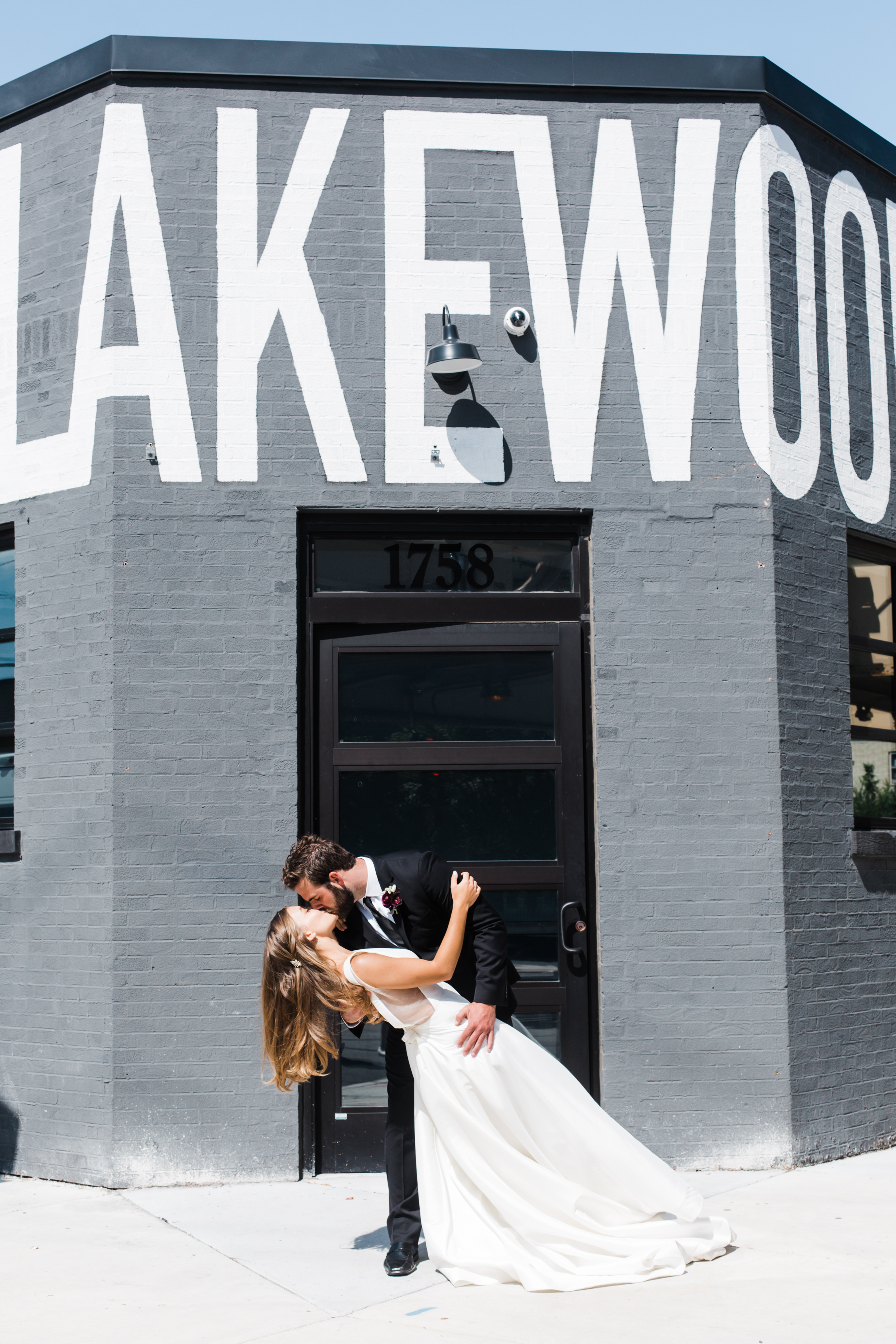 Modern Colorful Chicago Wedding Inspiration The Lakewood (33)