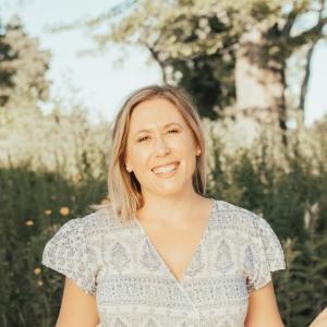 Lauren Beth
