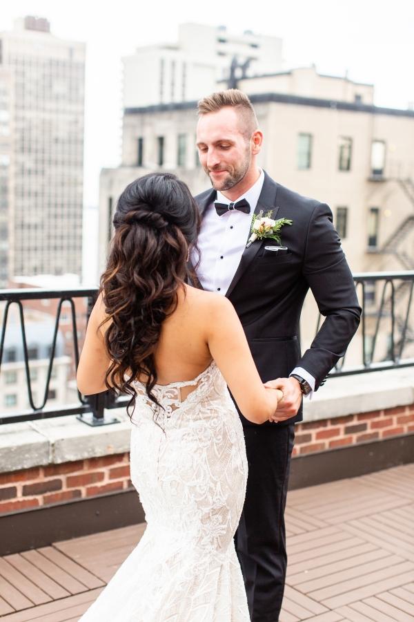 Ravenswood Event Center Chicago Wedding Alexandra Lee Photography (10)