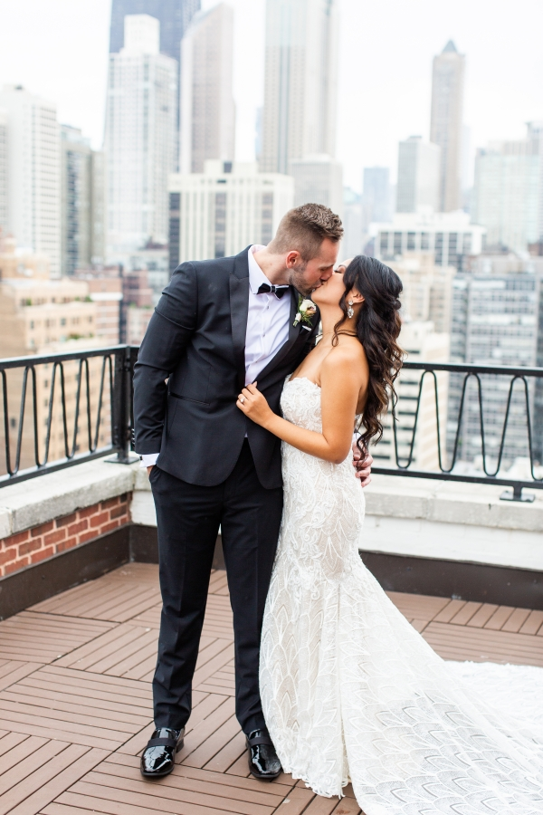 Ravenswood Event Center Chicago Wedding Alexandra Lee Photography (3)