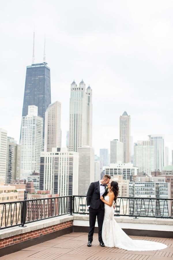 Ravenswood Event Center Chicago Wedding Alexandra Lee Photography (5)