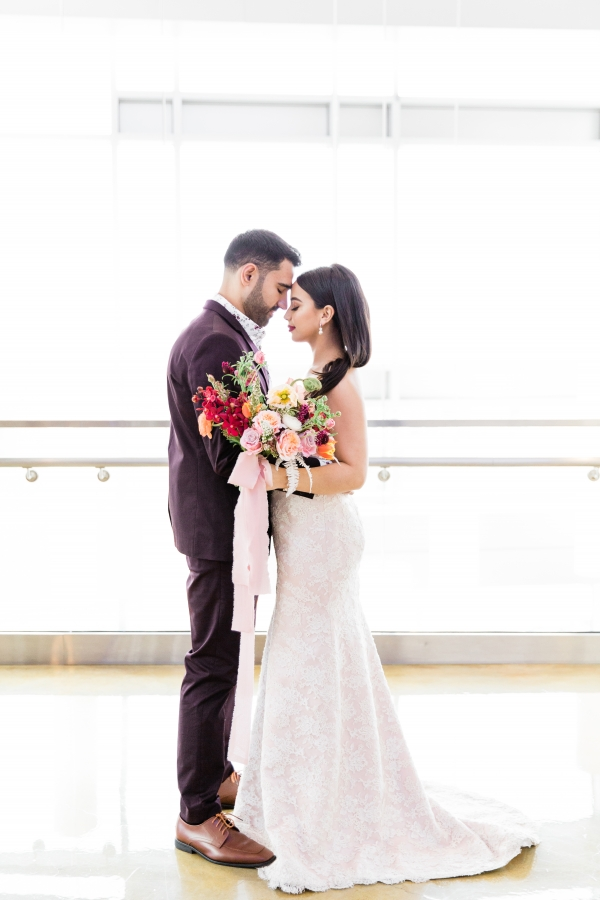Colorful Spanish Wedding Inspiration Lakeshore in Love Photography by Lauryn (16)