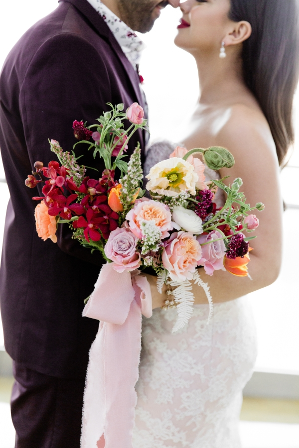 Colorful Spanish Wedding Inspiration Lakeshore in Love Photography by Lauryn (23)