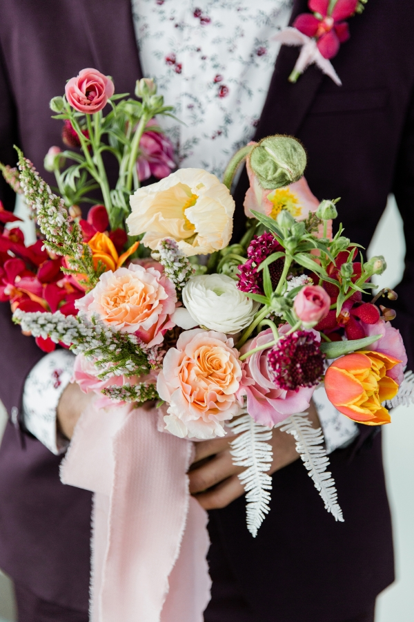 Colorful Spanish Wedding Inspiration Lakeshore in Love Photography by Lauryn (30)