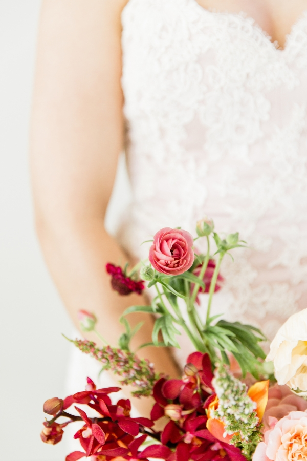 Colorful Spanish Wedding Inspiration Lakeshore in Love Photography by Lauryn (50)