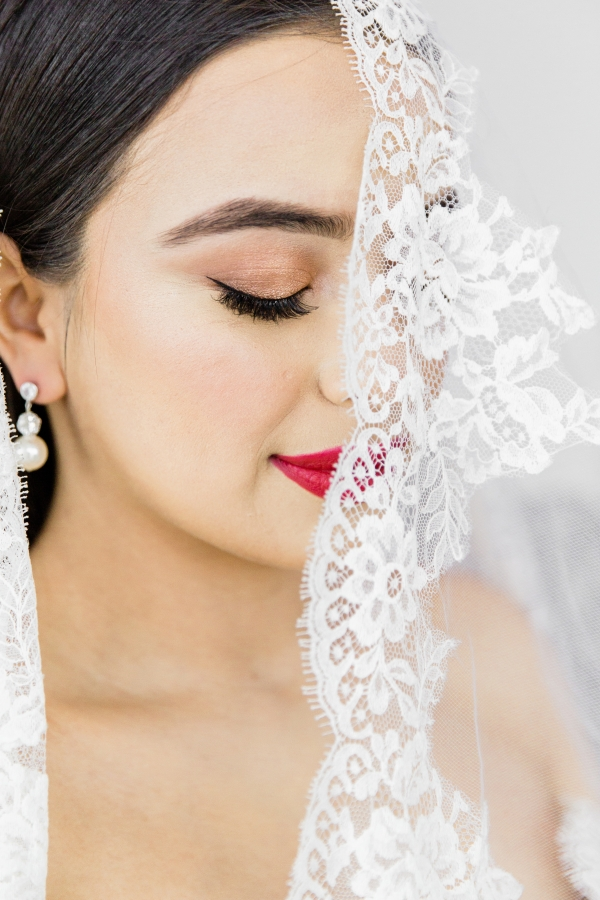 Colorful Spanish Wedding Inspiration Lakeshore in Love Photography by Lauryn (92)
