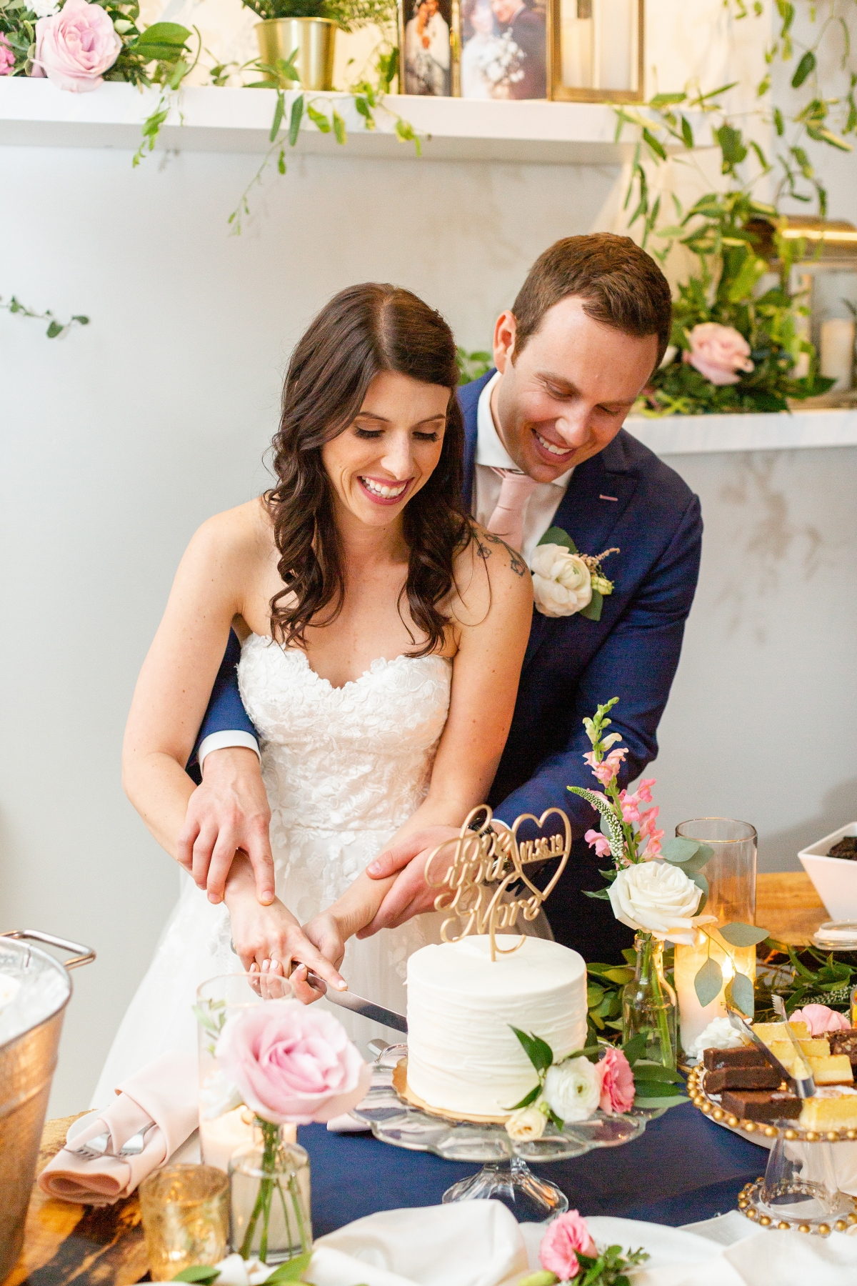 Room 1520 Chicago Wedding from Alexandra Lee Photography 29