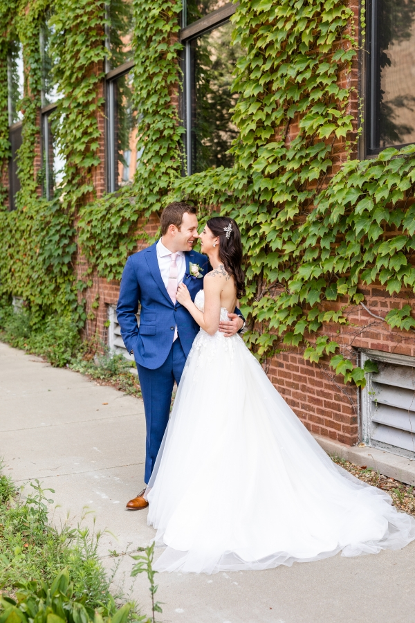 Room 1520 Chicago Wedding from Alexandra Lee Photography (40)
