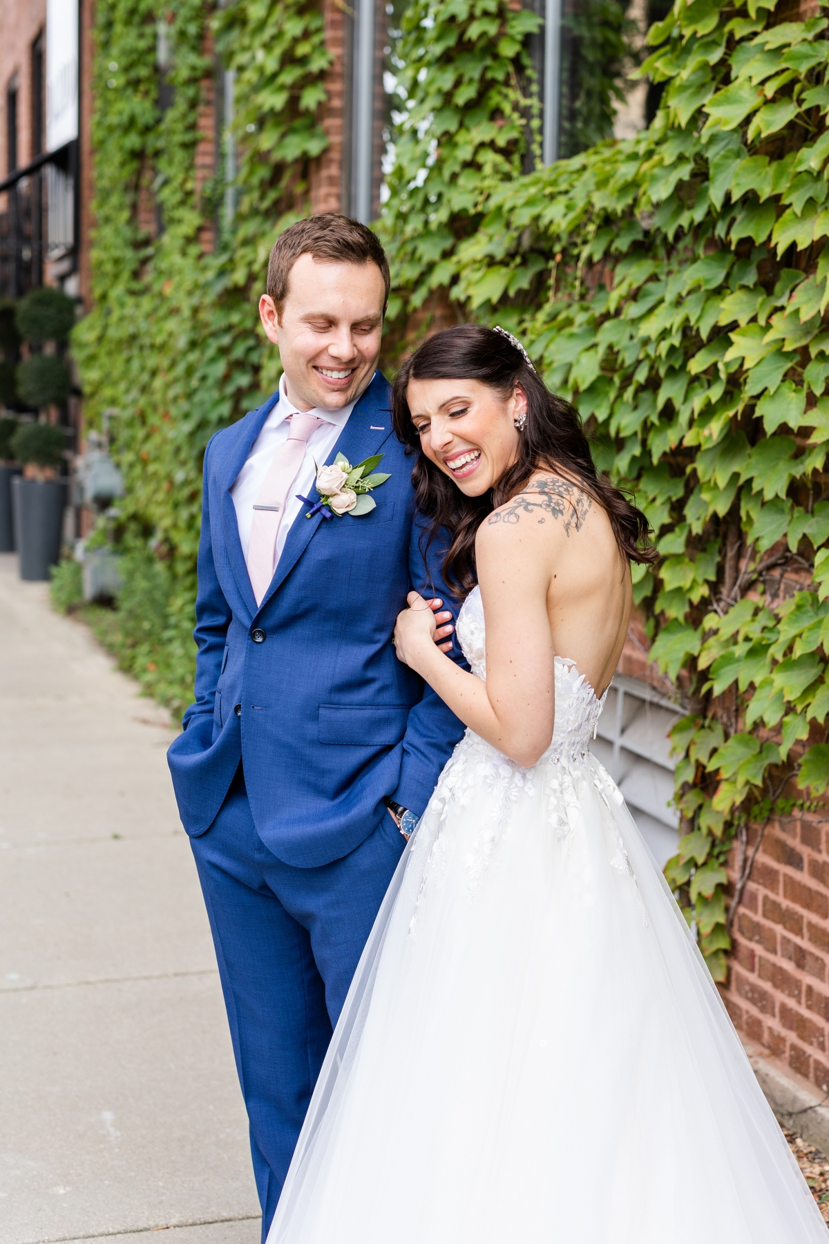 Room 1520 Chicago Wedding from Alexandra Lee Photography 46